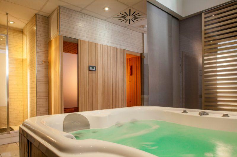Spa saint louis sauna hammam jacuzzi la villa k for Hammam et sauna