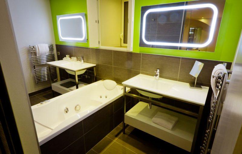 hotel avec jacuzzi paris pas cher awesome finest top chambre avec jacuzzi prive pas cher hotel. Black Bedroom Furniture Sets. Home Design Ideas