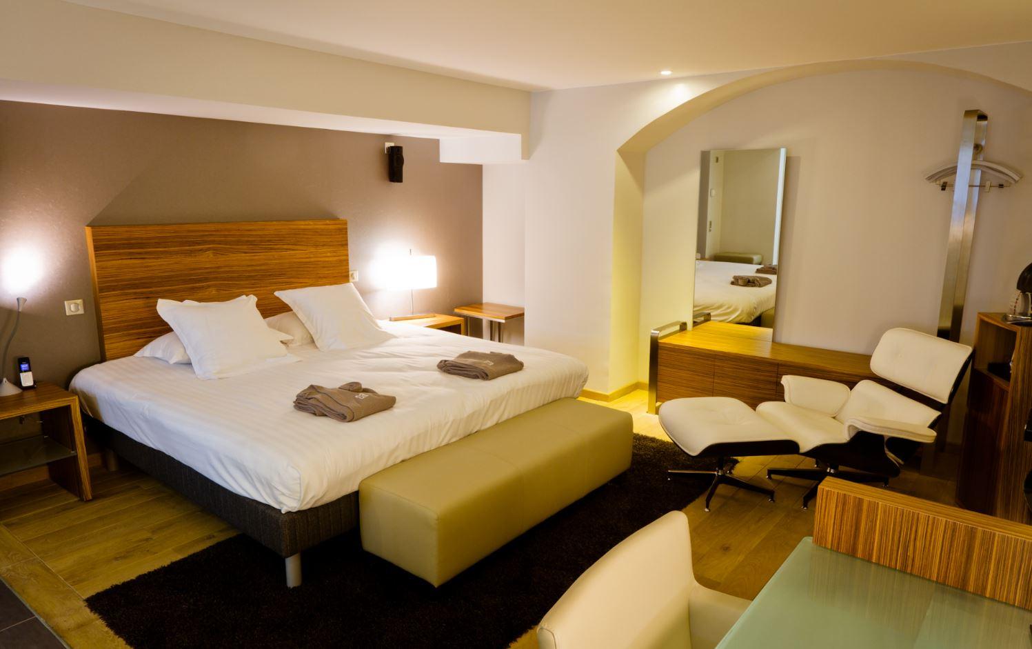 Hotelzimmer mit privatem jacuzzi basel whirlpool im zimmer elsass la villa k - Hotel jacuzzi chambre alsace ...