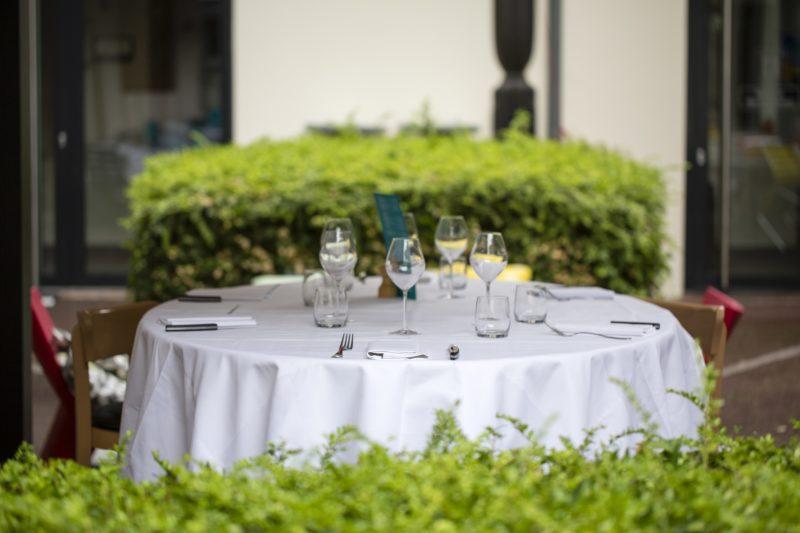 Terrasse La Villa K pour votre vin d'honneur et votre repas de mariage