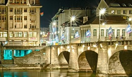 basel pont principal la nuit